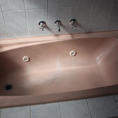 Peach-Spa-Bath-to-White-1