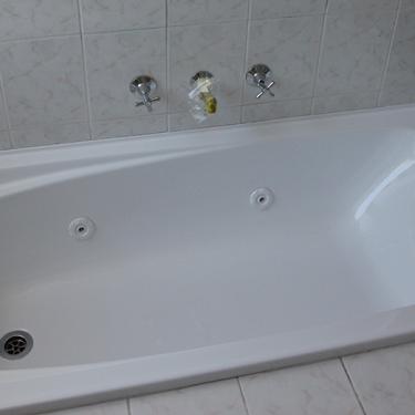 Peach-Spa-Bath-to-White-2