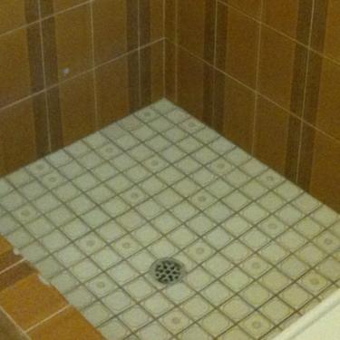 SB-Shower-Before